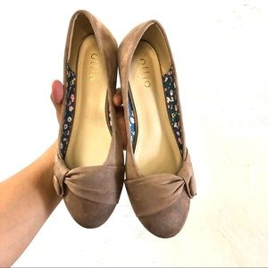Ollio Taupe Tan Faux Suede Flats